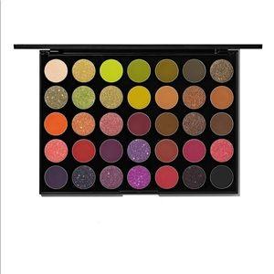 Morphe 35M eyeshadow palette